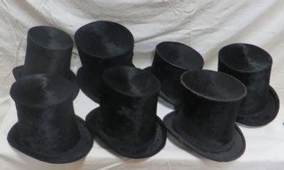 Sept hauts-de-forme à poils pour homme, style...