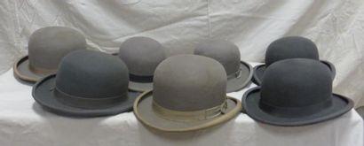 Six chapeaux melon gris pour homme de style...