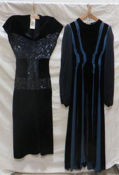 Deux robes de soirée pour femme, style XXe...