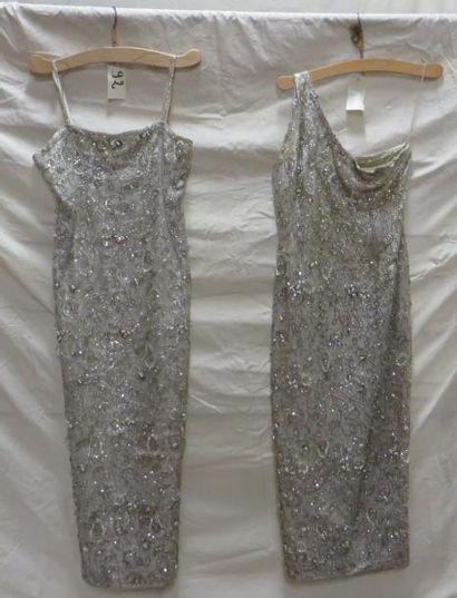 Deux robes de soirée pour femme, style XXe....