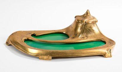 TRAVAIL JUGENDSTIL Encrier en bronze doré...