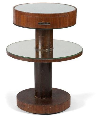 TRAVAIL MODERNISTE Guéridon, formant meuble...