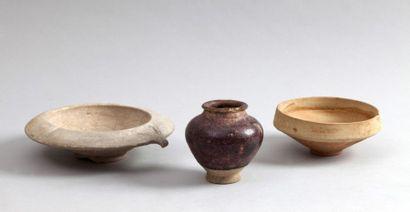 Trois céramiques persanes médiévales, XIIe...