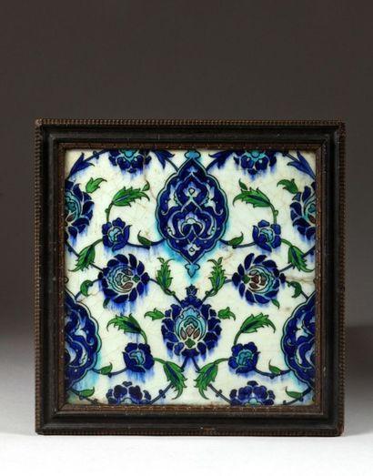 Carreaux ottoman à décor de mandorles, Syrie,...