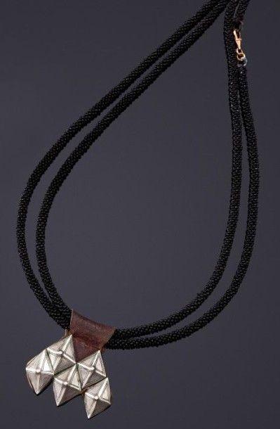 Collier à pendentif, khomissar, Algérie berbère,...