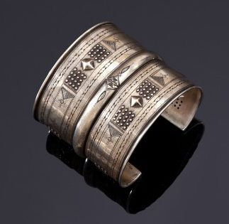 Bracelet ouvert en argent, Algérie du Sud,...