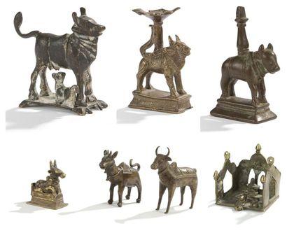 Quatre statuettes votives en bronze, Inde...