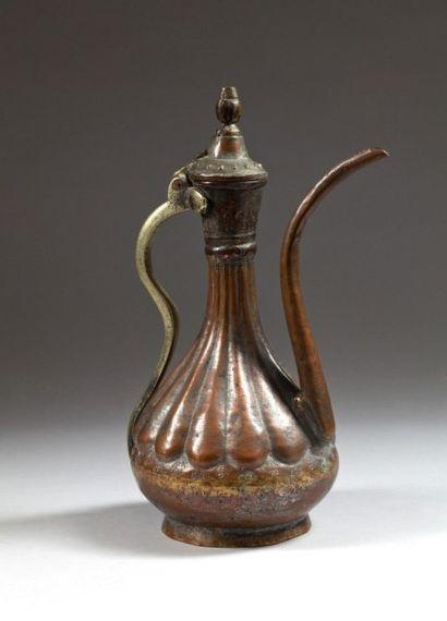 Aiguière en laiton, Afghanistan, XIXe siècle...