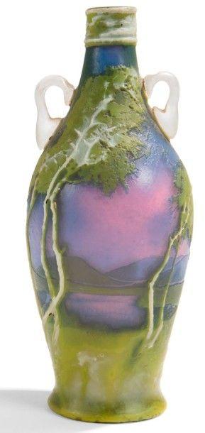 MULLER FRERES LUNEVILLE Les Bouleaux, série des verreries dans le goût nabi Flacon...