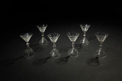 Émile GALLÉ (1846-1904) La vigne, circa 1880 Rare suite de six verres à liqueur de...