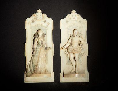 Paire de plaquettes en ivoire sculpté en...