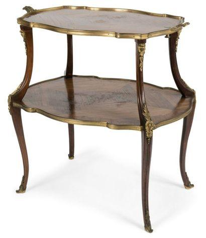 Table à thé en bois de violette et bronze...