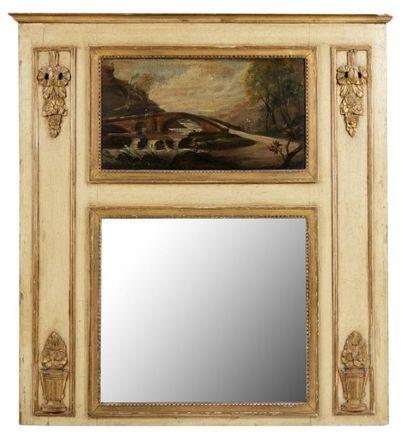 Trumeau en bois peint et doré de forme rectangulaire,...