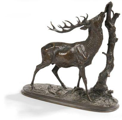 Pierre-Jules Mene (1810-1879) Cerf à la branche n°1 Groupe en bronze à patine brune...