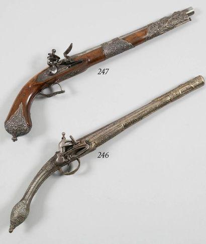 Beau pistolet à silex offert aux dignitaires...