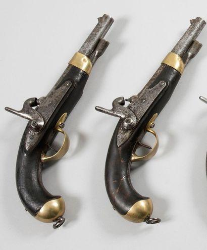 Deux pistolets d'arçon à percussion modèle...