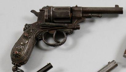 Revolver Gasser, cinq coups, calibre 450....