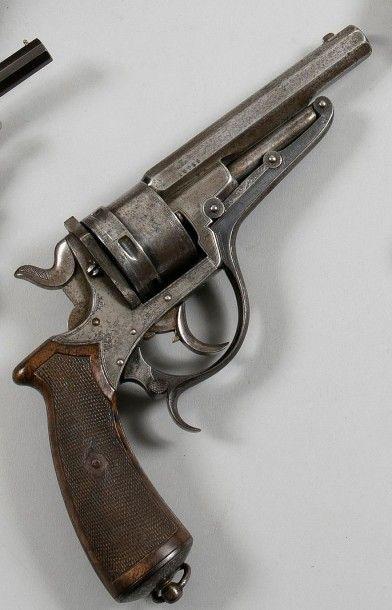 Revolver Galand, six coups, calibre 450....