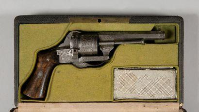 Revolver E. Lefaucheux à broche, six coups,...