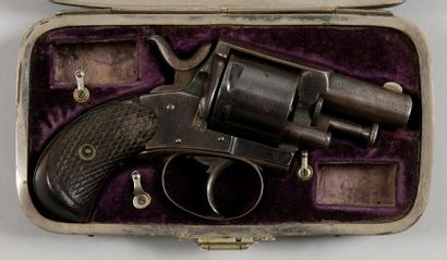 Revolver Bulldog, six coups, calibre 320....