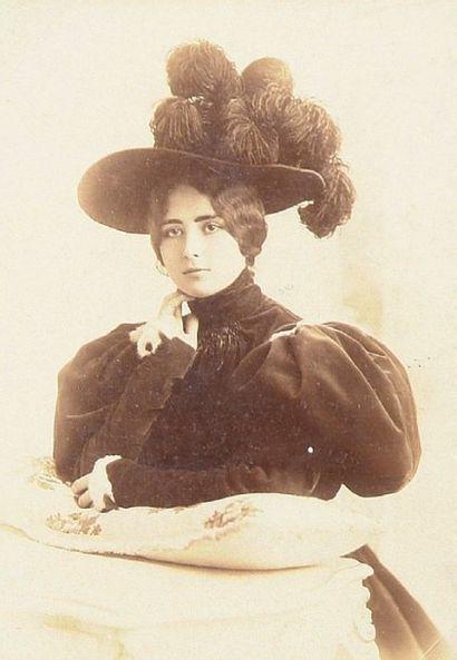Cléo de Mérode, c. 1890-1895
