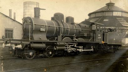 Trains. Locomotives. c. 1900-1910. 17 tirages...