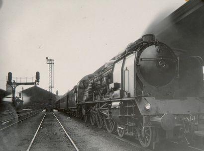 Trains. PLM. c. 1920-1930. Locomotives. Wagons....
