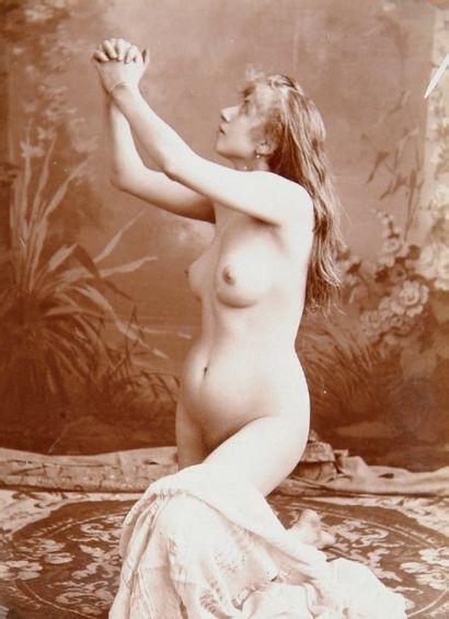 Études de nu féminin, c. 1900. 33 tirages...
