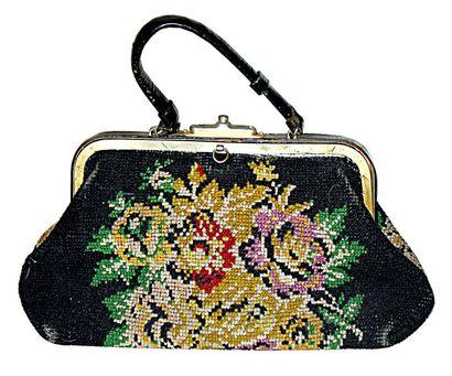 Beau sac en Carpet Bag Tapisserie. Complet...