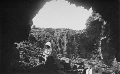 Île de la Réunion, c. 1930. Piton de la Fournaise....