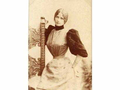Cléo de Mérode, c. 1895-1900