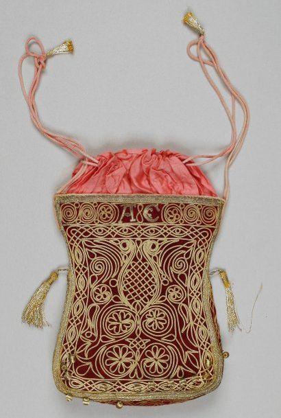 SAC À TALITH - Velours rouge brodé de fils...