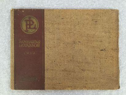 [AUTOMOBILES] PANHARD & LEVASSOR. [Catalogue]. Paris, 1912. — In-4 oblong, couverture...