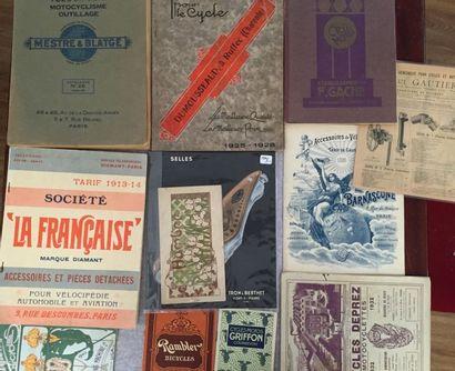 [CYCLES]. Ensemble de 12 catalogues et brochures...