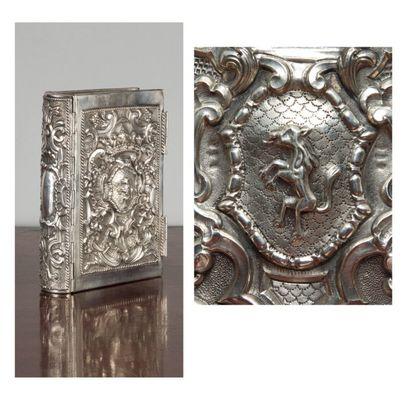 Reliure en argent aux armes de la famille Minerbi Volume in-8° (plats 20 x 12,5...