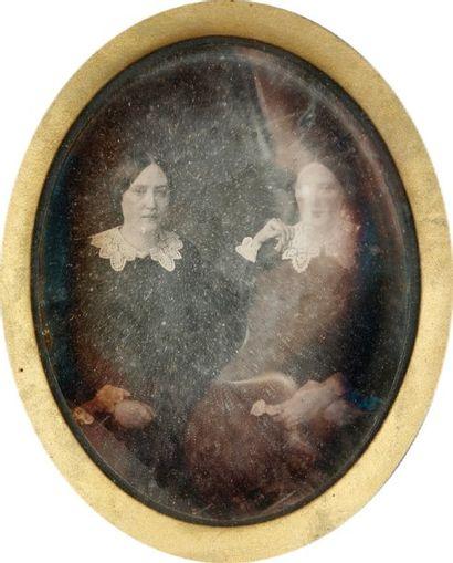 Les deux soeurs, c. 1845. Daguerréotype 1/4...