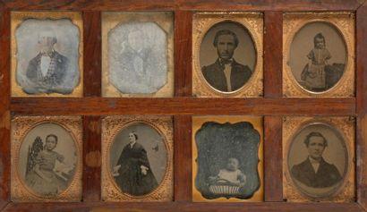 Photographe non identifié  Portraits de famille,...