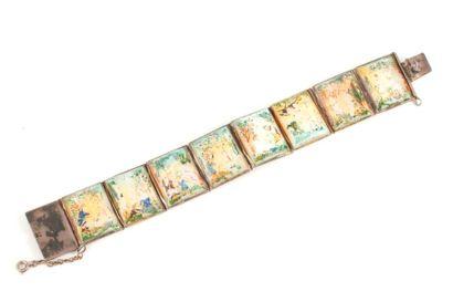 Bracelet articulé de 8 plaquettes de nacre...