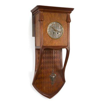 LOUIS MAJORELLE (1859-1926) Horloge murale...