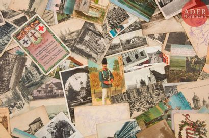 CARTES POSTALES Bel ensemble de 220 cartes...
