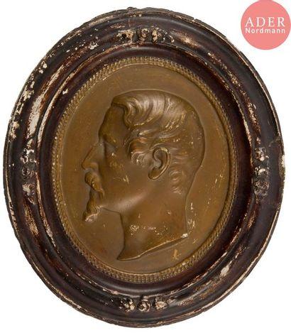 Trois médaillons: - L'Empereur Napoléon...