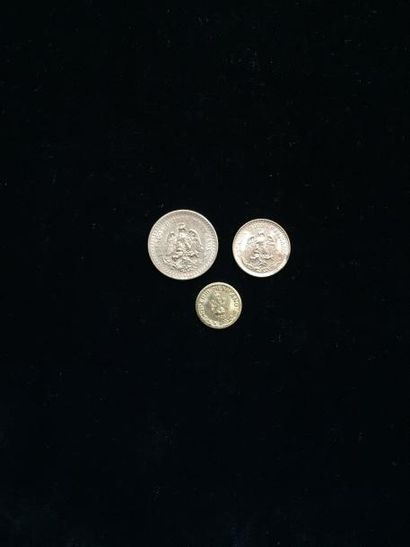 3 pièces mexicaines en or. Poids : 4.4 g...