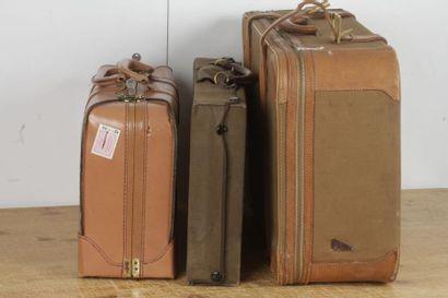 Lot de 3 valises dont une malette de voyage...