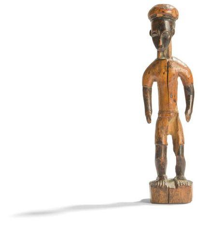 Une ancienne et jolie statuette waka sona...