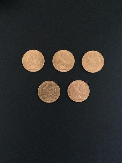 5 pièces de 20 Francs en or dans un sachet...