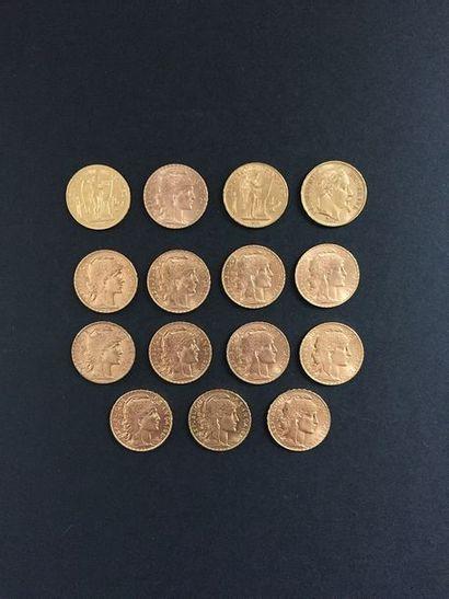 15 pièces de 20 Francs en or dans un sachet...