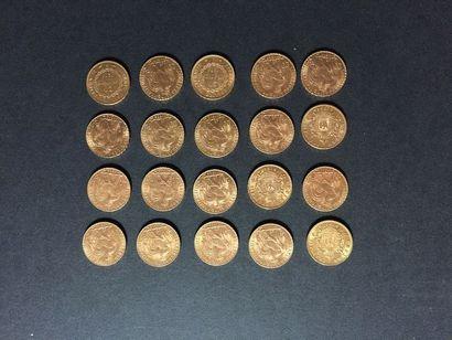 20 pièces de 20 Francs en or dans un sachet...