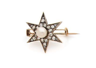 Broche en or 18K (750), en forme d'étoile,...