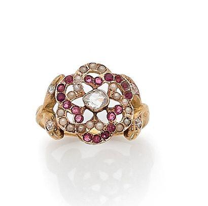 Bague en or 14K (585), centrée d'un diamant...