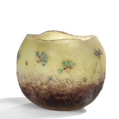 DAUM NANCY Centaurées Vase pansu à col mouvementé....